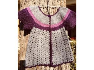 Chalecos tejidos de niña entre los 3 y 10 años.
